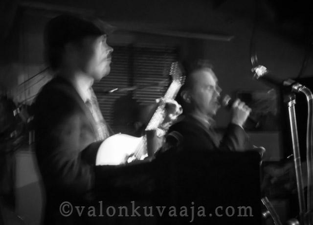 Jaakko Laitinen & Väärä Raha - Albertin Kellari 7.12.2012