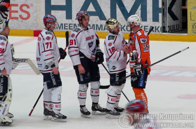 HPK - HIFK 13.3.2014, Tuulolan ja Peltosen viimeinen runkosarjaottelu. Kuvaaja: Markus Kauppinen