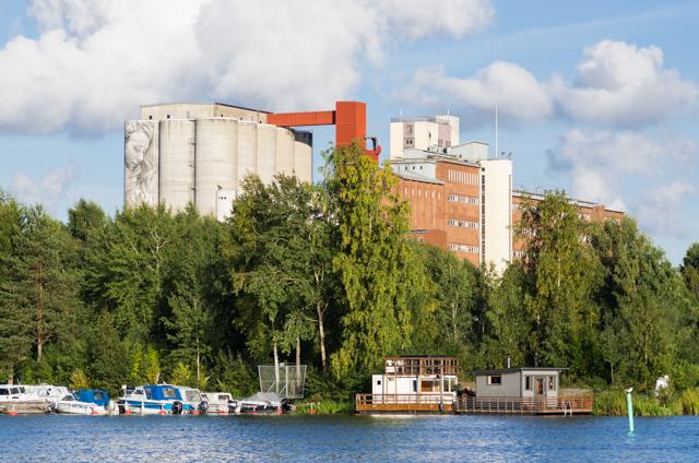 Kantolan muraalin uudet kasvot ja huivi valonkuvaajan blogi for 9 11 mural van