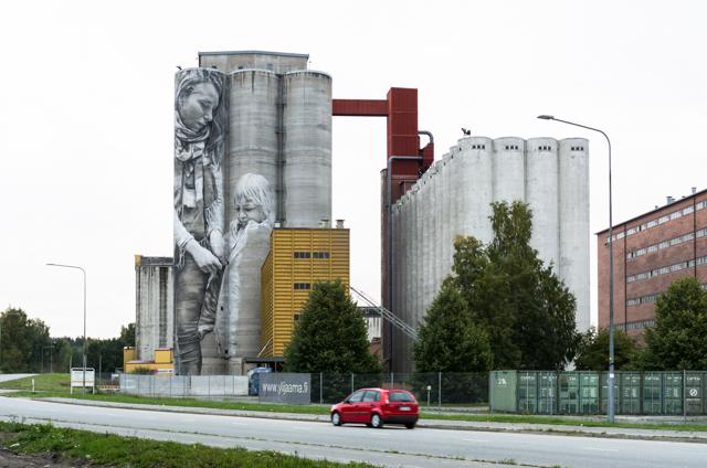 Guido van Helten muraali Hämeenlinnan Kantolassa. Valokuvaaja: Markus Kauppinen