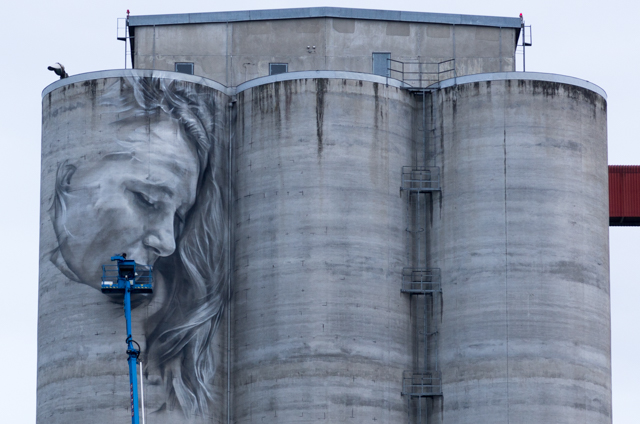 Guido van Heltin mural in Kantola Hämeenlinna, Finland. Photographer: Markus Kauppinen
